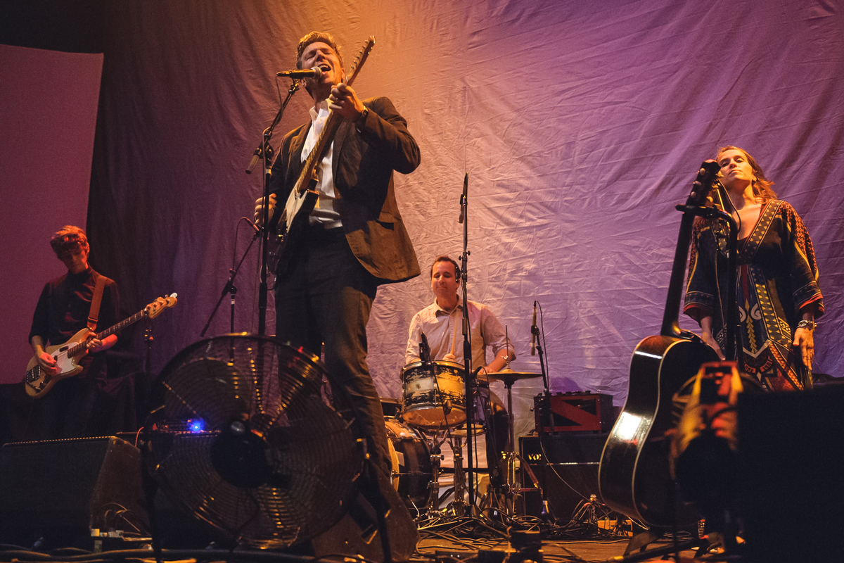 Hamilton Leithauser Performs at the Lincoln Theatre