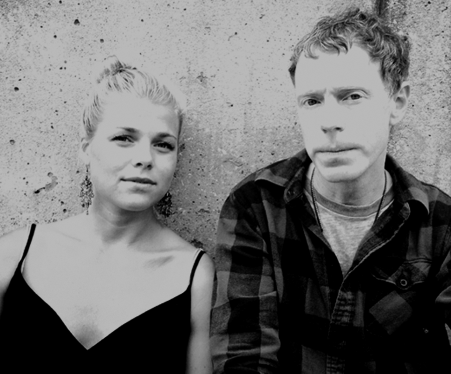 As Zomes, Hanna Olivegren and Asa Osborne (of Lungfish) specialize in meditative drones. Their new LP is out now.