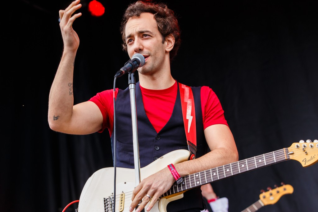 Albert_Hammond_Jr-Landmark_Music_Fetival-1