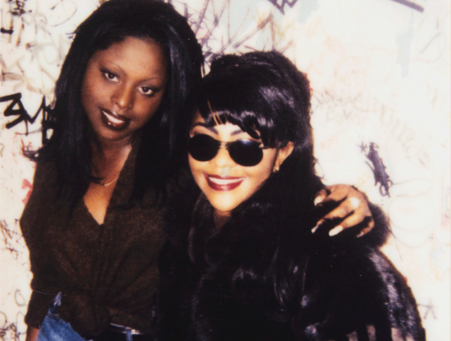 This 1996 image of Foxy Brown and Lil' Kim has been acquired by the Smithsonian.