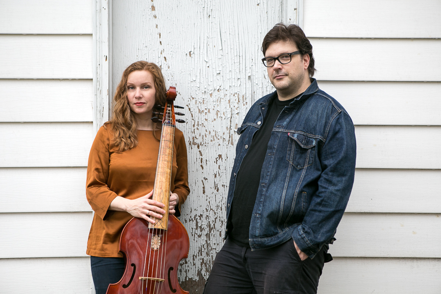 On their new album, Amy Domingues and Dennis Kane combine electronics with the sounds of viola da gamba.